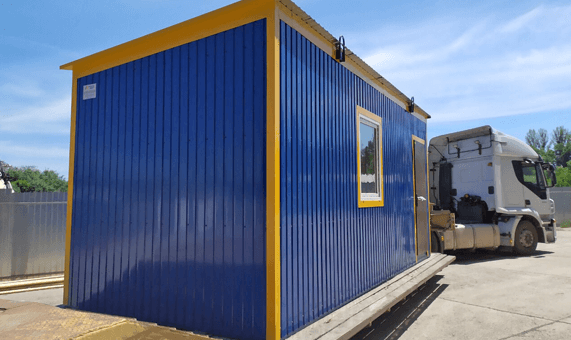 Delivery of a modular building to a customer