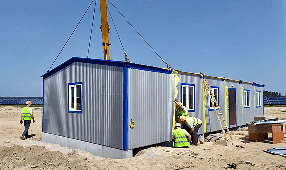 Installation of a modular building